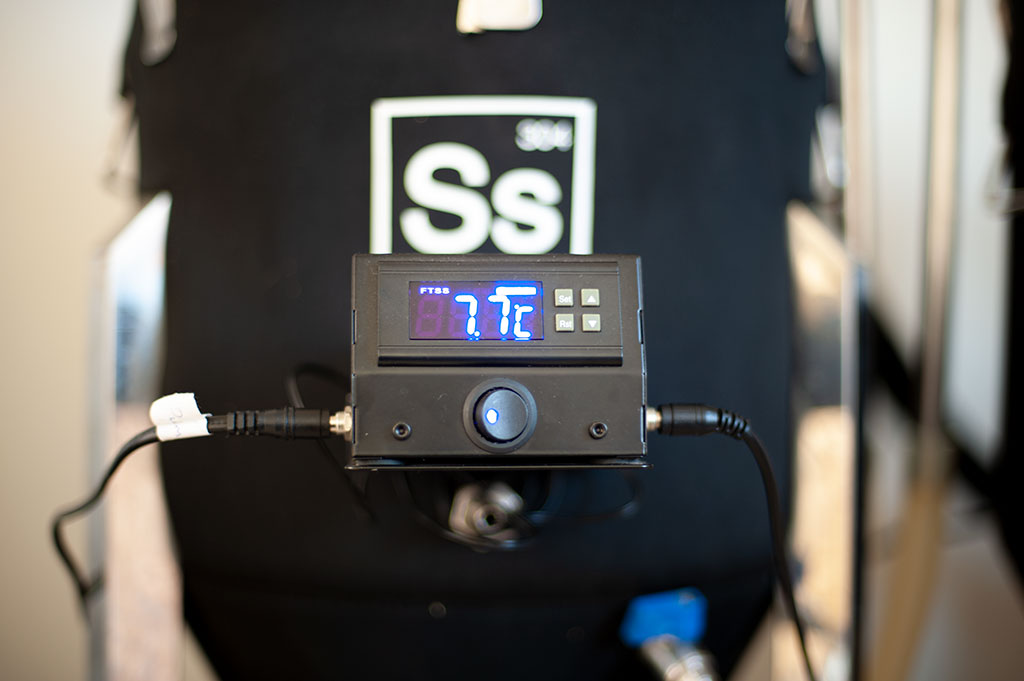 SS brewtech chronical fermenter temperature control, temperature reading right before pitching yeast